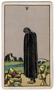 Taurių penki taro korta