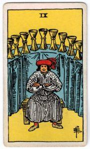 Taurių devyni taro korta