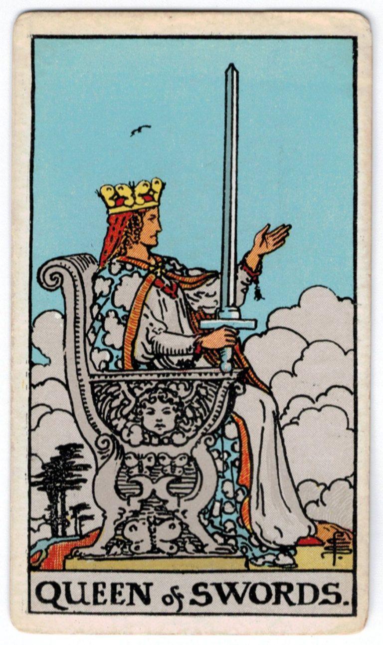 Kardų karalienės taro korta